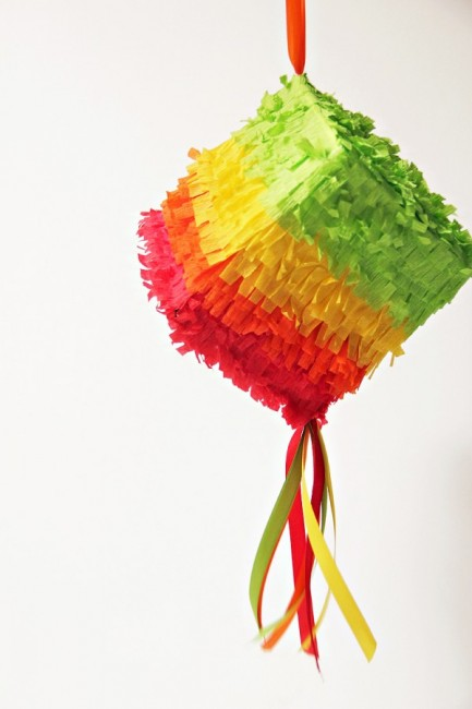 mini-pinata-diy1-600x900