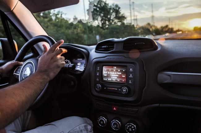 2015-jeep-renegade-trailhawk-interior
