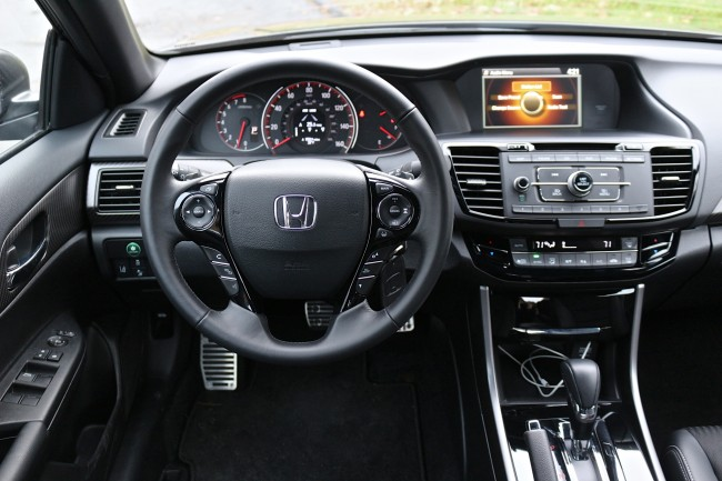 2016-honda-accord-sport-review-10
