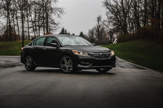 2016-honda-accord-sport-review-7