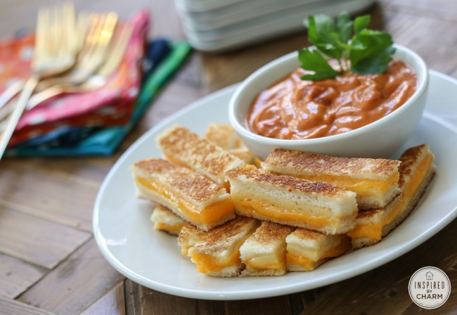mini grilled cheese sandwhiches