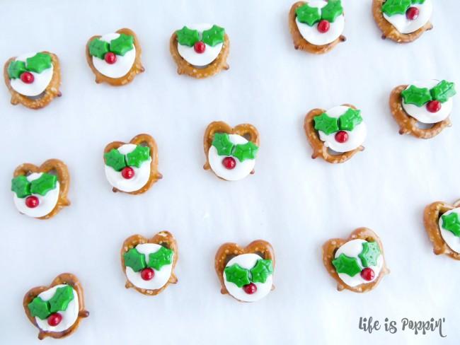 easy-holly-pretzel-bites-decorations-done